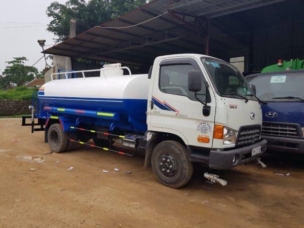 xe phun nước rửa đường tưới cây Huyndai