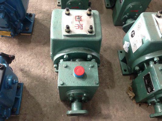 máy bơm xe phun nước rửa đường tưới cây