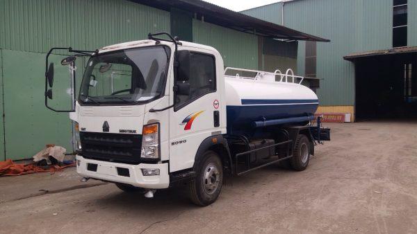 Xe phun nước rửa đường tưới cây Howo TMT