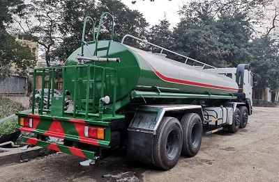 xe phun nước rửa đường huyndai 17 khối